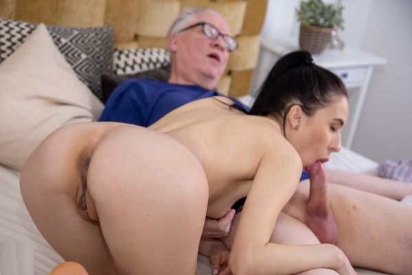 Old and young swingers have a couples sexparty