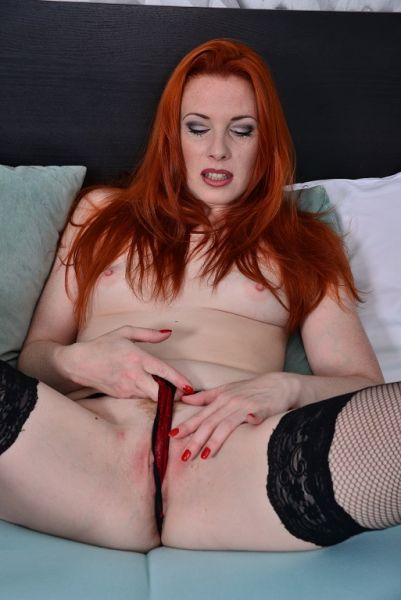 Michelle Russo Red hot and ready to make u cum