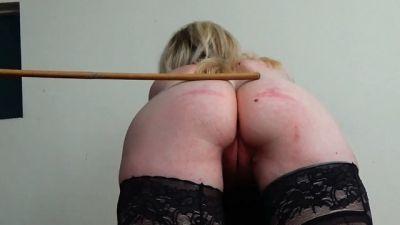 Miss Sultrybelle - Brutalising Blondie 60 severe strokes