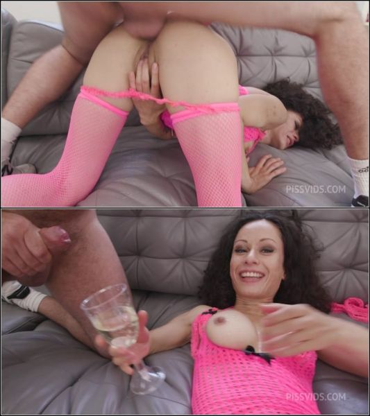 Stacy Bloom - Stacy Bloom is Unbreakable #1, 4on1, Balls Deep Anal, Monster ButtRose, Cocktail, Creampie Swallow GIO1933 [HD 720p] (LegalP0rno)