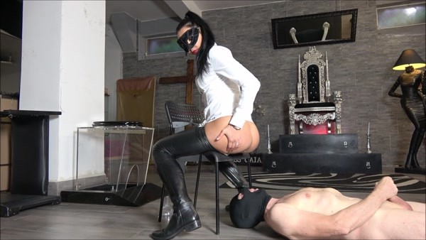 Piss And Enema For My Personal Slave - Mistress Gaia - FetishMania