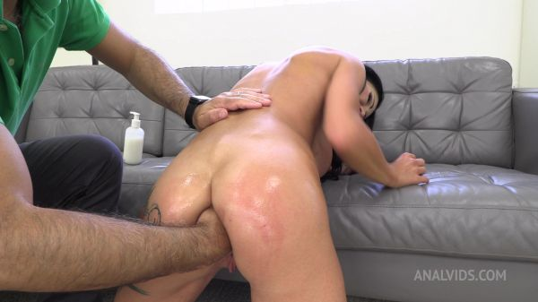 LegalP0rno -  Testing The Handmade Khun Size XL (With Additional Anal Fisting) TWT072 with Laura Fiorentino (FullHD/1080p) [2021]
