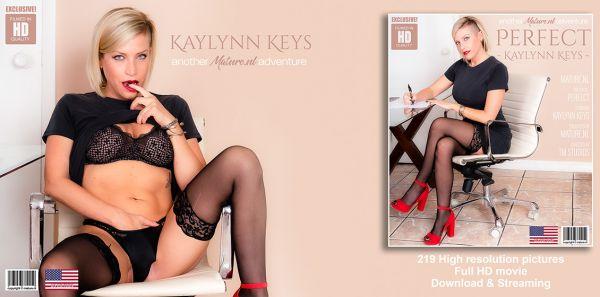 Hot Blonde MILF Kaylynn Keys masturbating at home