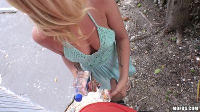 PublicPickUps-Bailey-Brooke-Cute-Student-Sucks-Cock-in-Public-29-07-16.mp4.00047.jpg