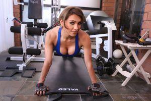 Bobs-TGirls-Jessy-Dubai-Best-Gym-Strockers-09-09-2014-shemalehd.net-51.jpg