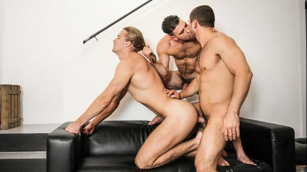 MEN_-_Made_You_Look_Part_2_-_Dato_Foland__Johan_Kane___Paddy_O_Brian.jpg