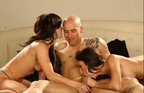 Two Hot Chicks, One Big Hard Dick Dava Foxxx, Jenifer White Oculus Rift