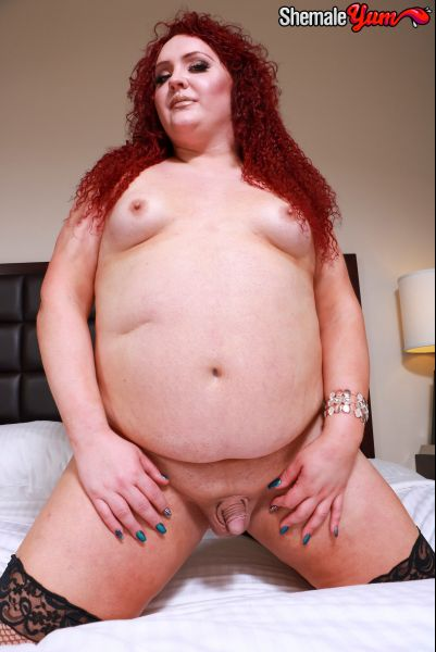 Nathalie Presley - Curvy Redhead Nathalie Presley! [HD 720p] (ShemaleYum)