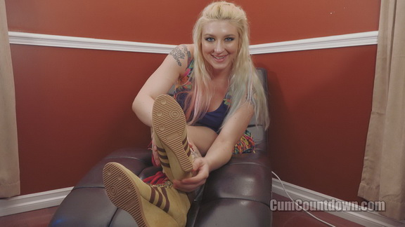 Cum Countdown – Princess Leya – Back To Worship My Boots?