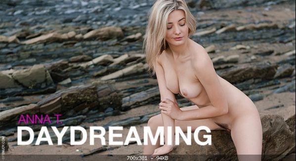 5988_-_Anna_T._in_Daydreaming_m.jpg