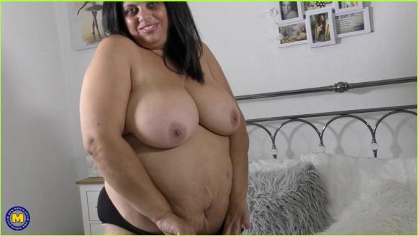 http://picstate.com/thumbs/small/5326739_ksqgs/Milf_Queen_Rachel_cover.jpg