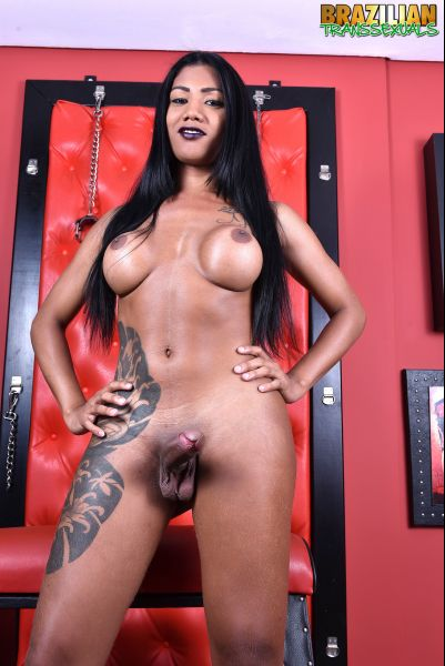 Brazilian-Transsexuals: Juuh Osmark - Juicy Juuh Osmark [HD/720p]