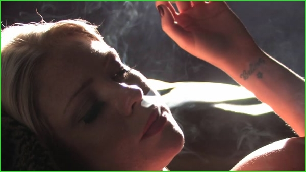 Smoking_Blonde Bombshell Jessika Smokes Marlboro Lights