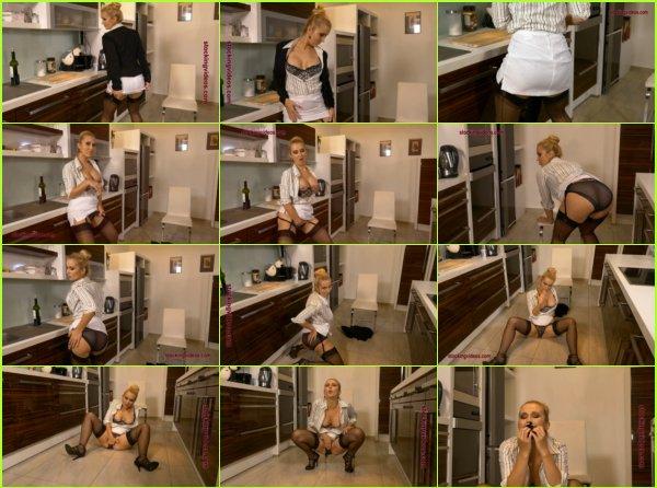 Mandy Paradise  - Mandy the panty soaking perv