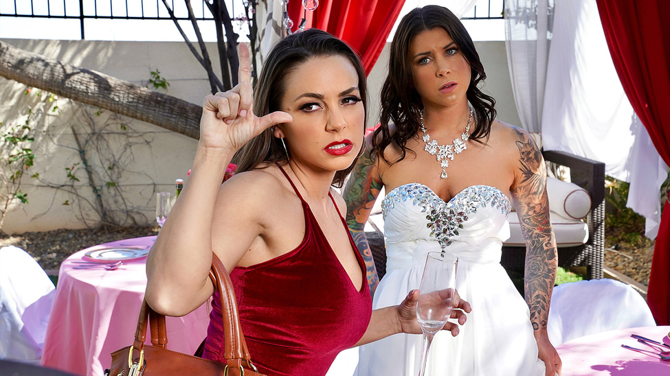 Abigail Mac, Felicity Feline - Bisexual Bride