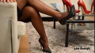 15cm-red-high-heels-and-black-dress__013389_2018-05-25-18-00-30_.JPG