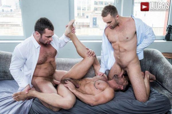 LE – Stas Landon, Jackson Radiz And Wagner Vittoria Flip-Fuck (Bareback)