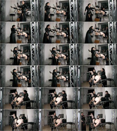 Alexandra Snow, Ezada Sinn - Spread and Fucked [HD 720p] (Goddesssnow)