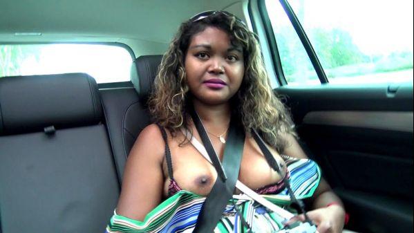 Lilia touriste nymphomane