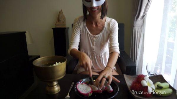 PISSING 17 09 29 fruit brunch