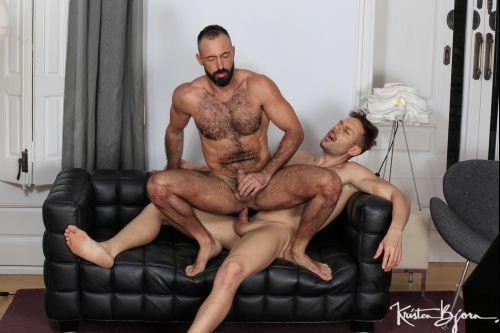 In_The_Hole_Xavi_Garcia_And_Mario_Galeno_720p_s6.jpg