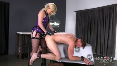 FemdomEmpire – Hole Stuffer – Summer Day