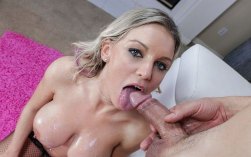 Cheating Housewife Kenzie Taylor Needs a New Lover - Smartphone