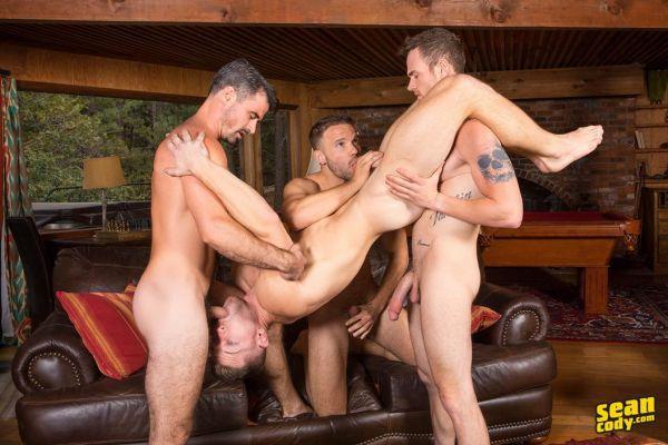 SC – Deacons Bareback Gangbang – Deacon, Daniel, Jackson & Sean