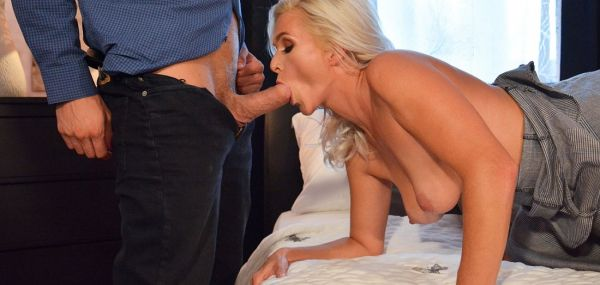 Kathy Anderson - Amazing natural MILF gets creampie