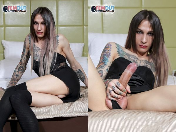 Shemale - Maria - Well Hung Maria And Her Fleshlight! [Femout.xxx / 2018 / HD 720p]