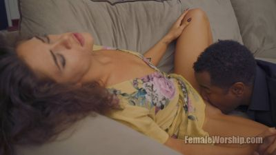FemaleWorship – Anything For My Baby – Victoria Voxxx