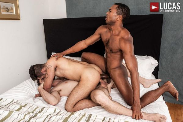 LE – Jason Cox And Lucas Leon Share Sean Xavier's Monster Black Dick