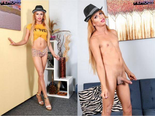 Nikkie - Horny Nikkie Cums For You! (2018 / HD 720p)