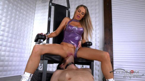 Jenna Jones - Licking Sessions