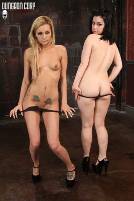 CumBots – Who's on Top? – Nikki Seven & Belle Noire