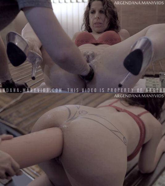 ManyVids: ArgenDana - Fisting christmas in a motel part 2 - 25.12.2018 (FullHD/2018)