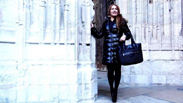 Ilona - Guide touristique, Ilona, 25ans, decouvre J&M - 09.01.2019 [FullHD 1080p] (JacquieetMichelTV)