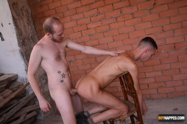 BN – Max Gets His Raw Hole Used – Max London & Sean Taylor