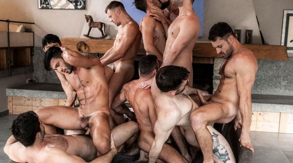 LE – 11 Man Bareback Guy Pile