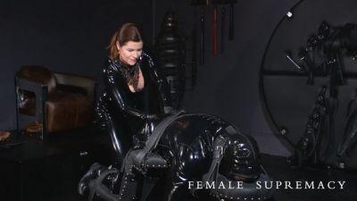 FemaleSupremacy – Baroness Essex – Mrs Darkside