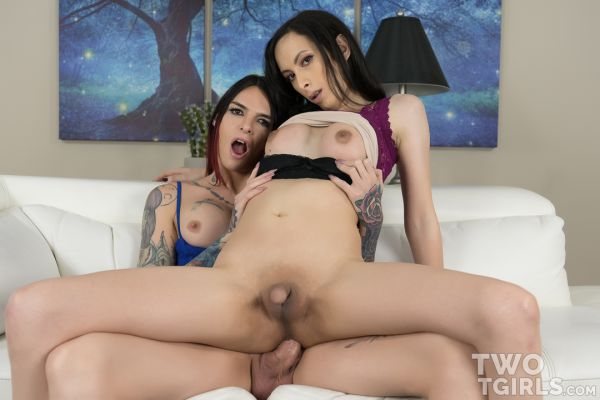 TwoTgirls - Chelsea Marie, Aubrey Leigh - Sex With the Salesgirl [HD 720p]