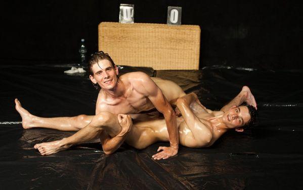 STR8H – Milan Neros & Tomas Berger – WRESTLING