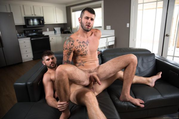 NDR – Ex-tra Helping – Johnny Hill & Connor Halsted