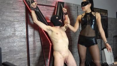 MistressGaia – Harmful Hands