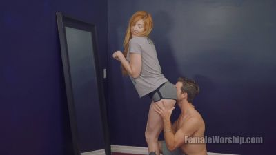 FemaleWorship – Let Me Finish My Makeup – Lauren Phillips