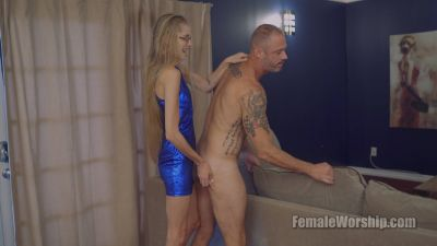 FemaleWorship – Naked And Cleaning – Goddess Kyaa