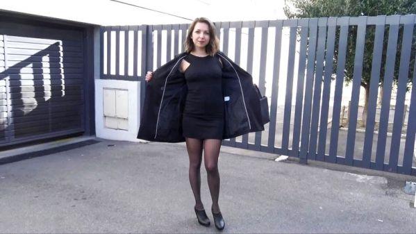 JacquieetMichelTV - Caro - La belle Caro, 22ans, continue les experimentations - 31.01.2019 [FullHD 1080p]