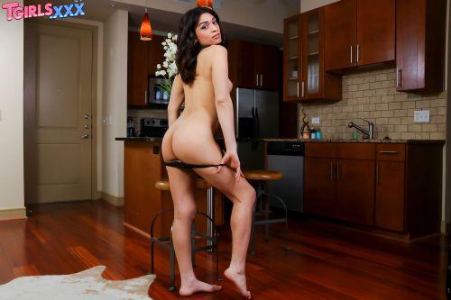 Tgirls.xxx_presents_Valentina_Mia_Is_Back____07.02.2019.mp4.00011.jpg