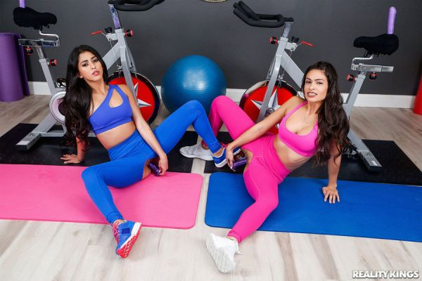 Katana Kombat and Sophia Leone -  Dual Dildocycles