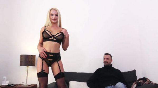 Elisabeth - Elisabeth, 25ans, hotesse de l'air - 21.02.2019 [FullHD 1080p] (JacquieetMichelTV)